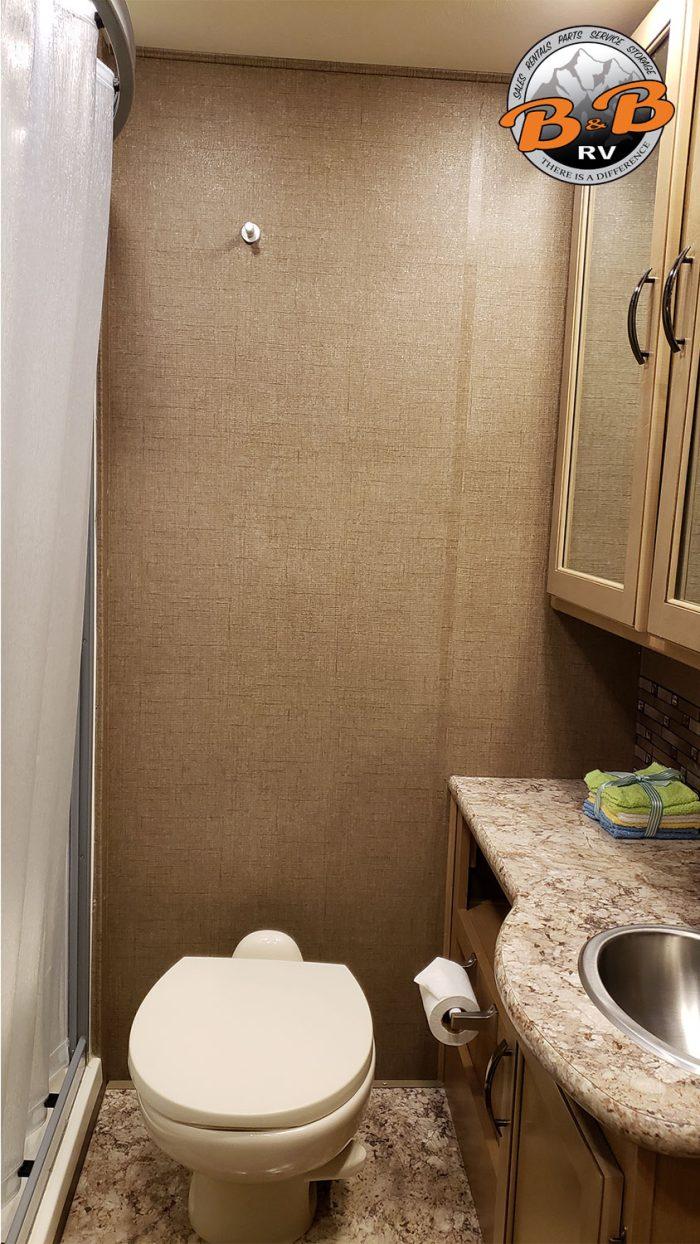 Thor Chateau Class C RV 28Z Bathroom