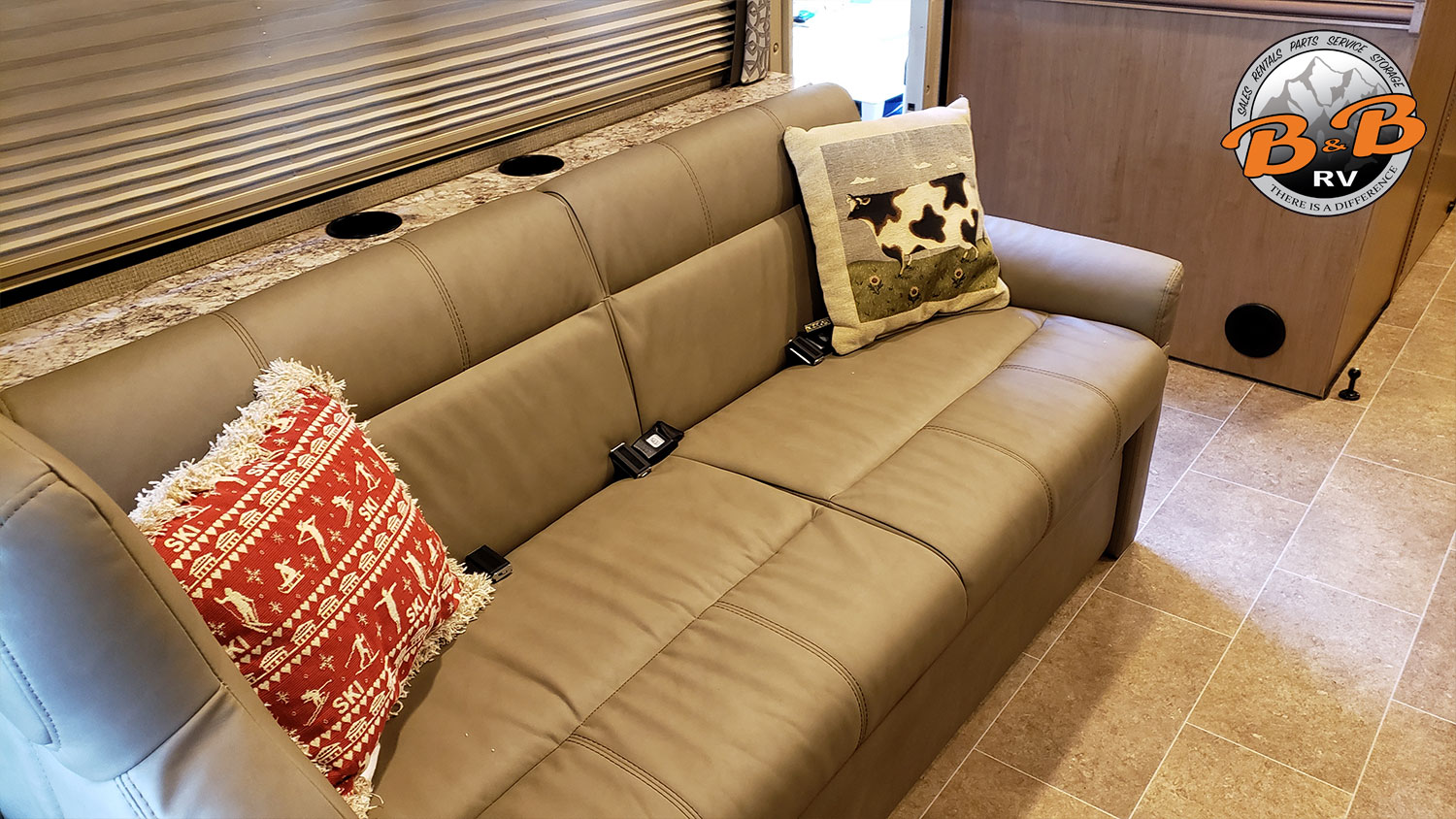 Thor Chateau Class C RV 28Z Couch