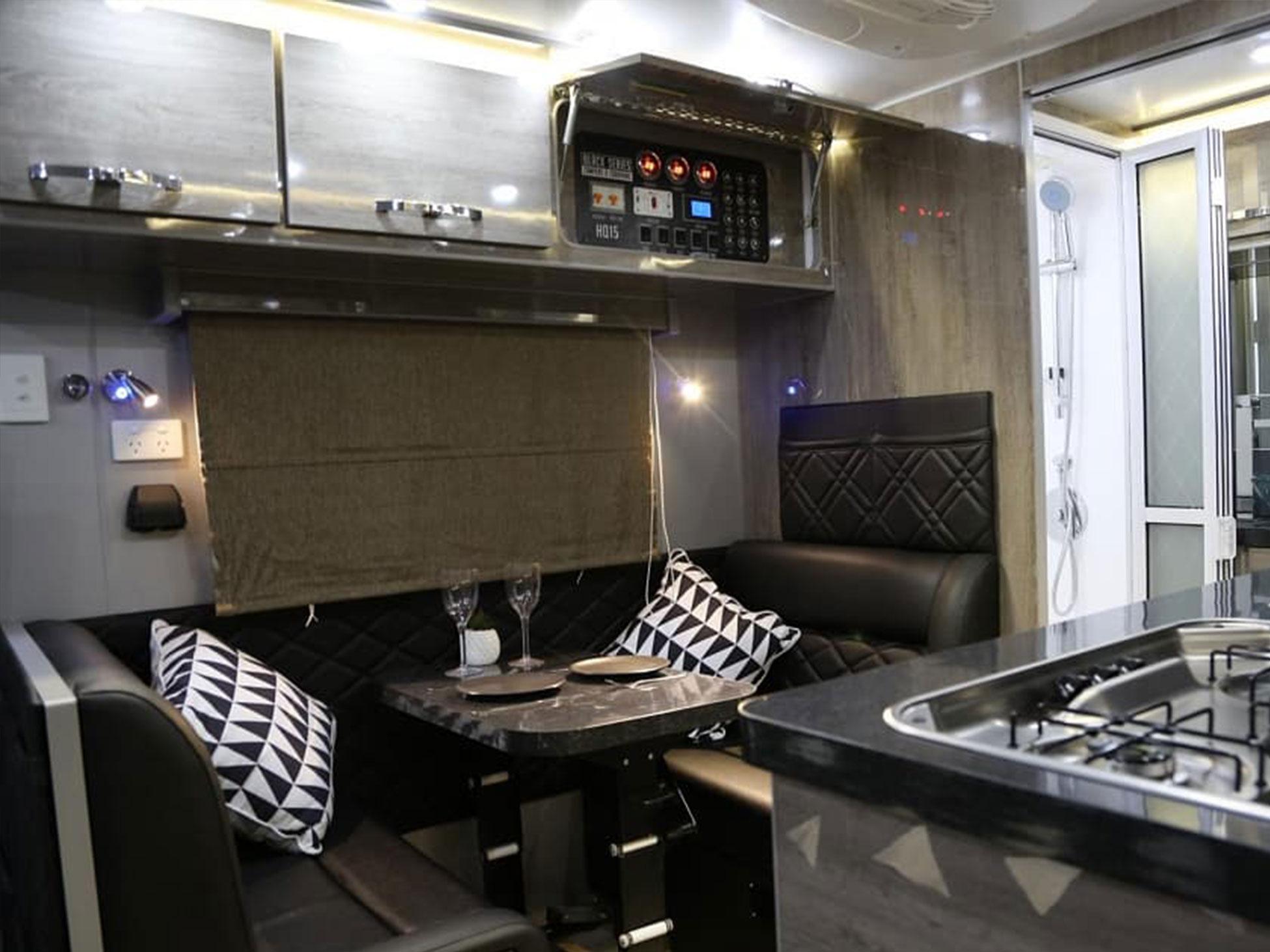 Black Series Hq15 Caravan