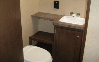 Oasis 25RK Bathroom 2