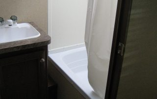 Oasis 25RK Bathroom