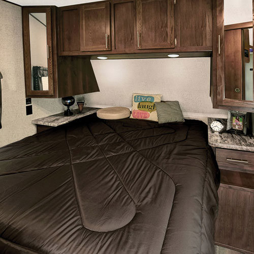 bedroom shasta revere travel trailer