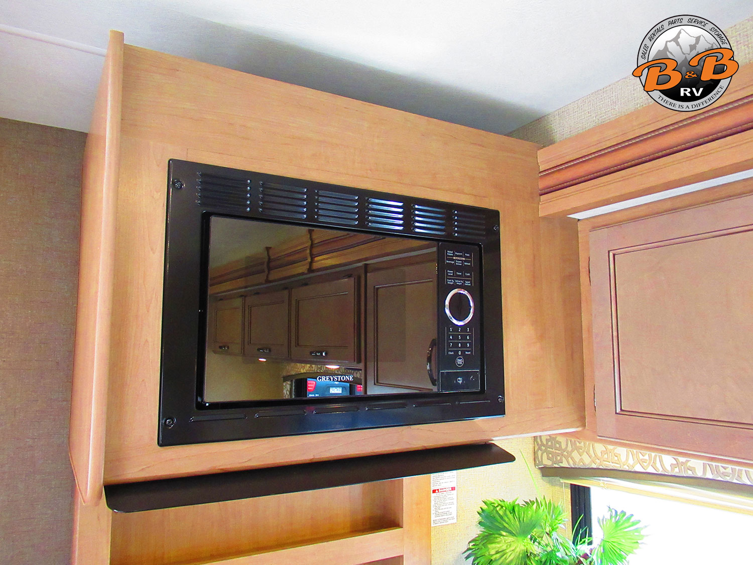 2019 Thor Chateau 30D Microwave