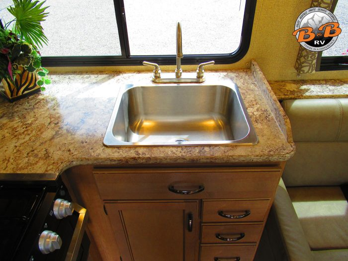 2019 Thor Chateau 30D Kitchen Sink