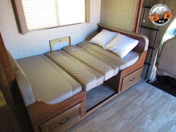 2020 Gulf Stream Conquest 6245 Dinette Bed