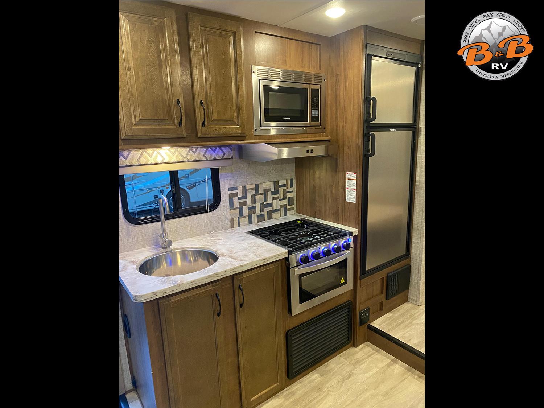 2020 Gulf Stream Conquest 6245 Kitchen