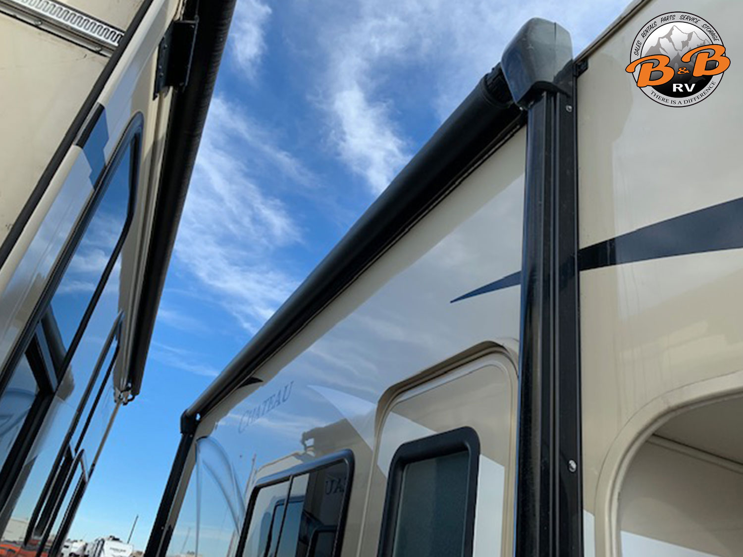 2019 Thor Chateau 24F Exterior Side