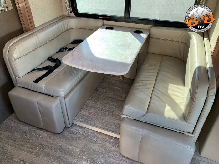 2019 Thor Citation 24SS Dinette