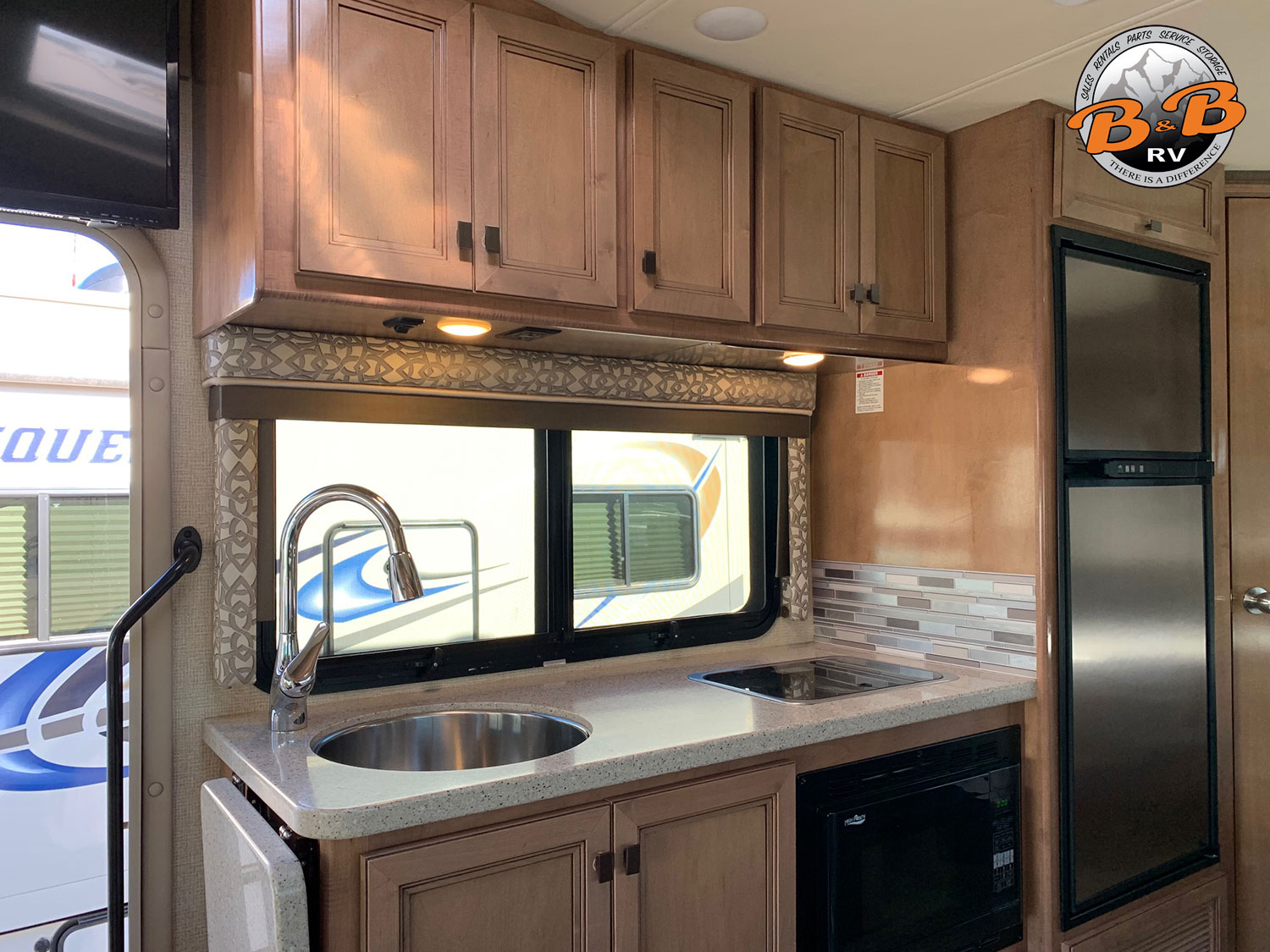 2019 Thor Citation 24SS Kitchen