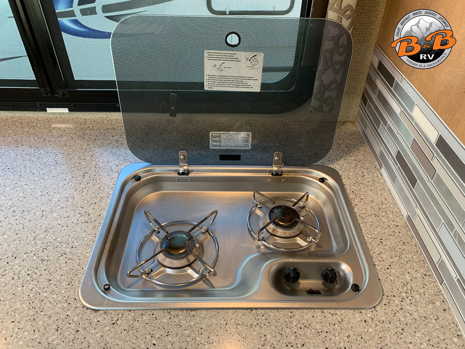 2019 Thor Citation 24SS Kitchen Stove