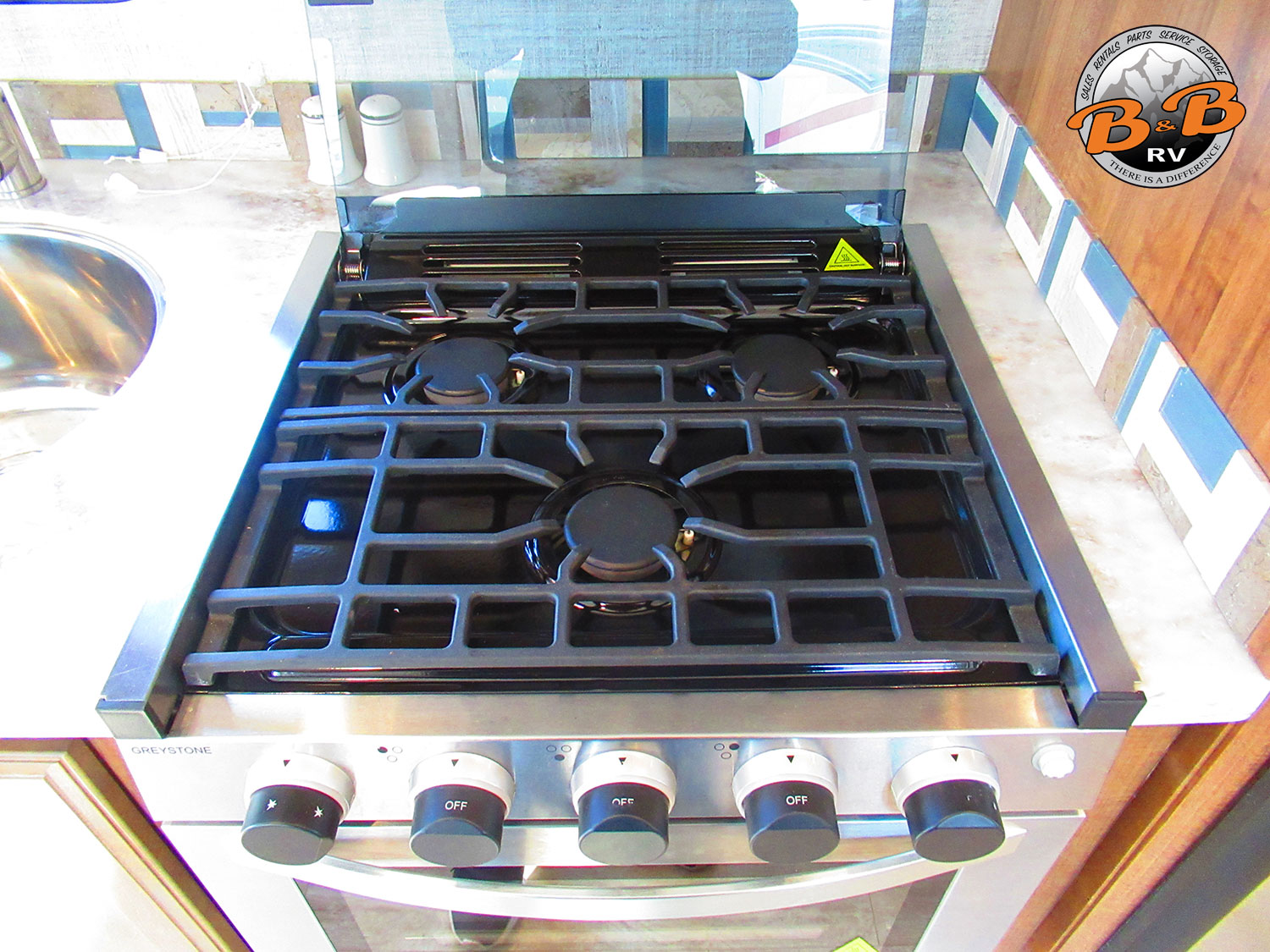 2020 Gulf Stream Conquest 6320 Stove